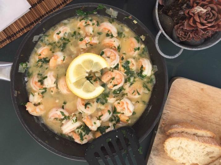 || Shrimps mit Knoblauch in Weißwein-Butter-Sauce