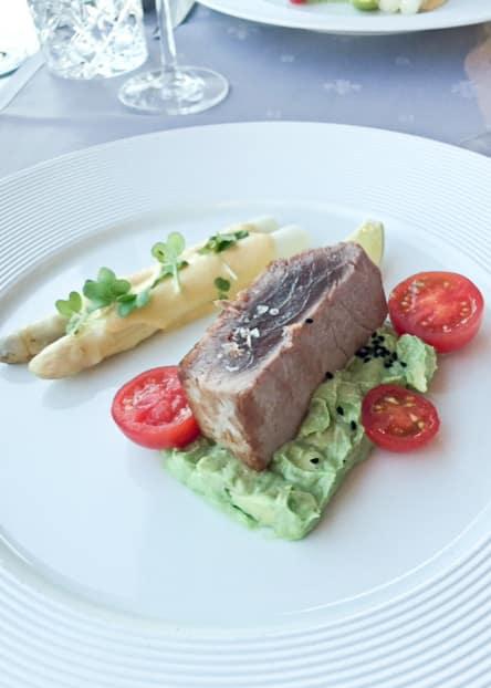 Starter 3 Tuna   Vorspeise 3 beim Dinner über München