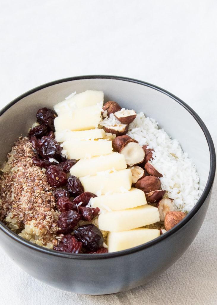 Breakfast Quinoa with dried Fruit and Nuts || Quinoa Frühstück mit Nüssen und Obst