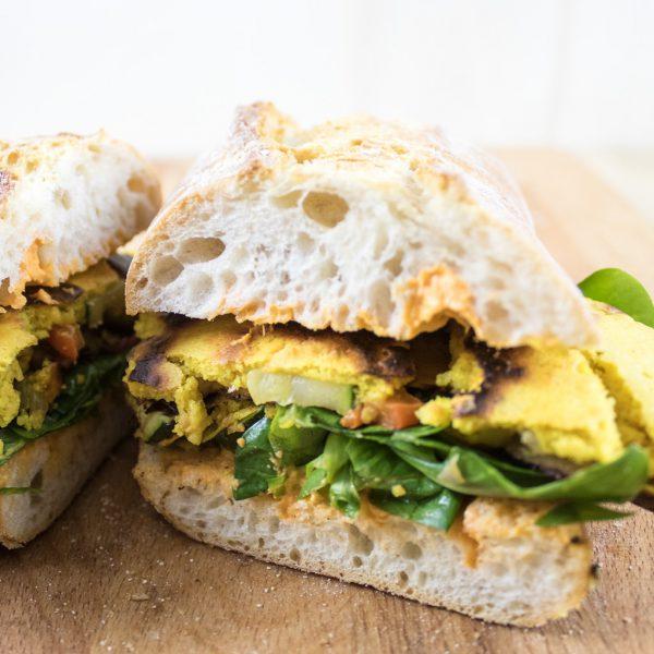 Ciabatta mit veganem Omelette