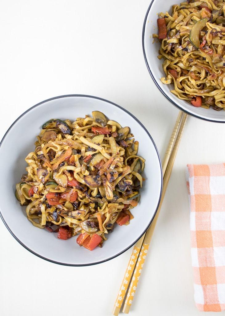 | азиатски спагети (нудълс) със зеленчуци | Asia Nudeln mit Gemüse