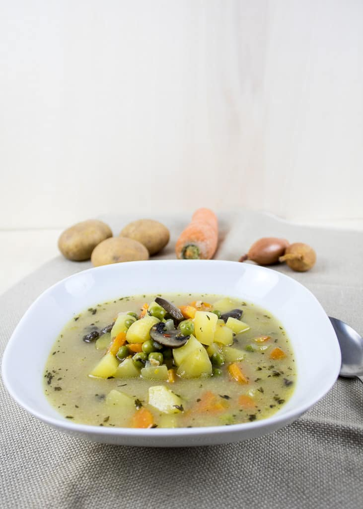 | Klare Gemüsesuppe
