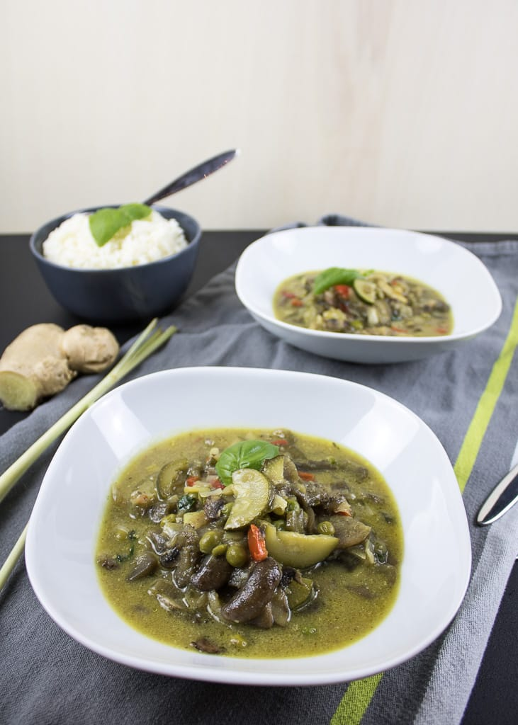 Vegan Green Thai Curry || Grünes Thai-Curry mit Gemüse