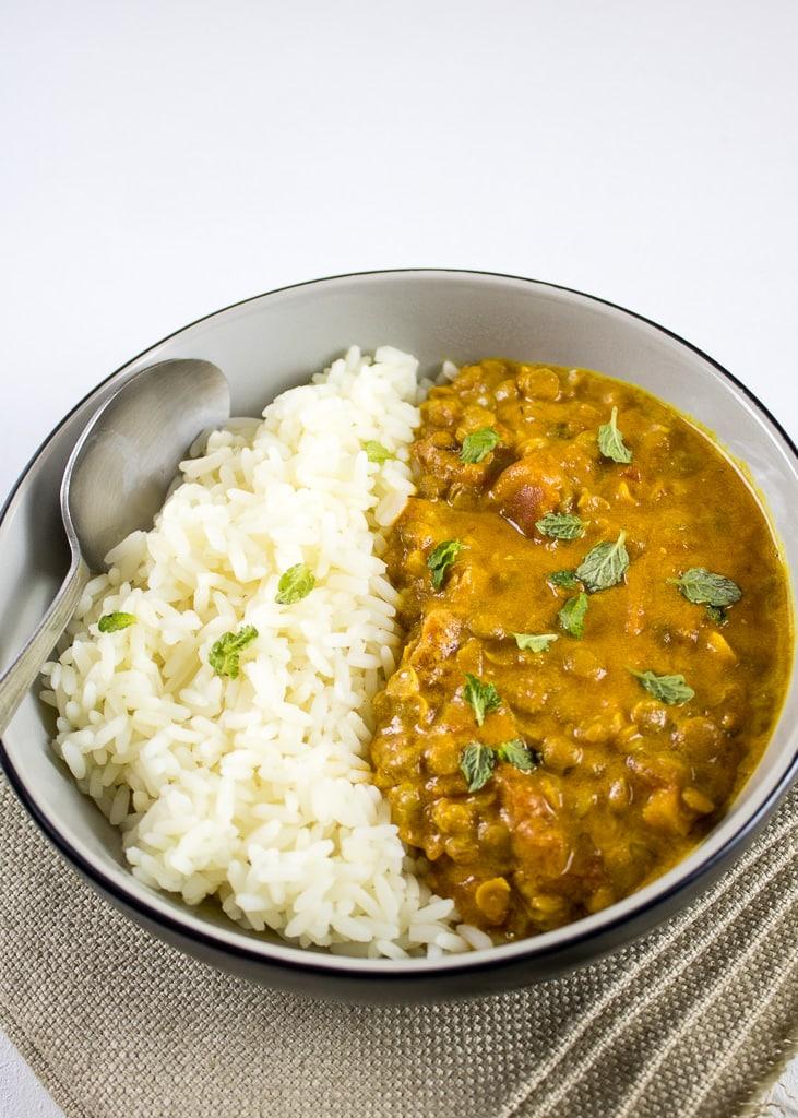 Kokosnuss Curry mit Linsen