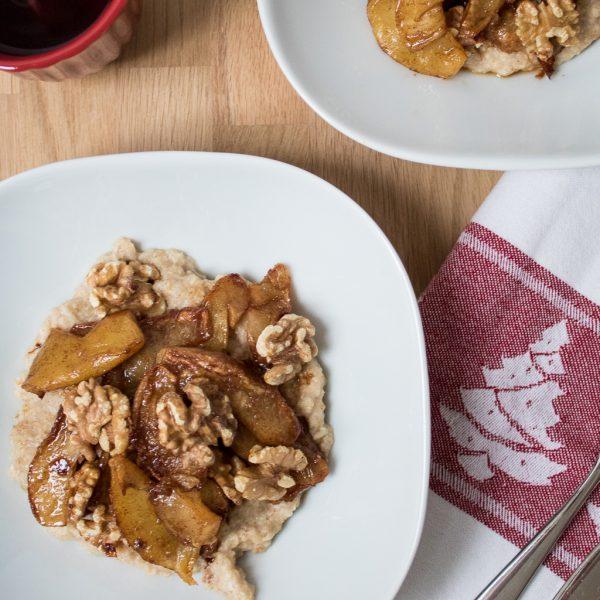 Porridge mit gebackenen Äpfeln