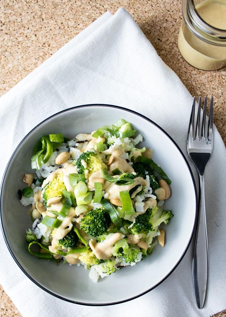 Broccoli Rice Bowl | Салата с броколи, ориз и фъстъчен сос