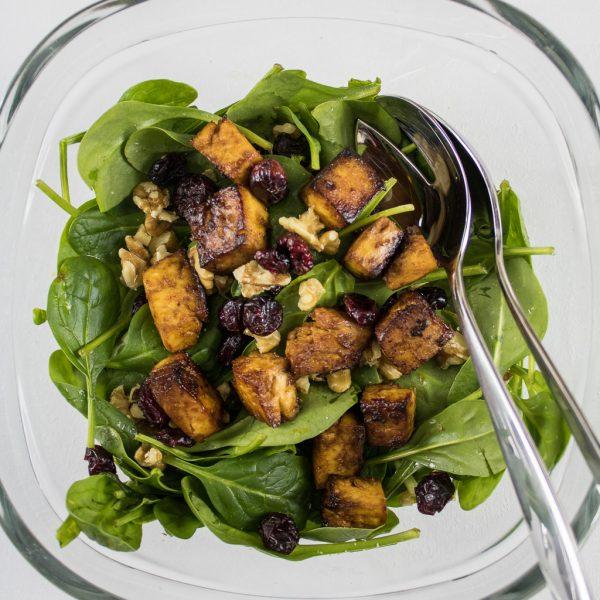knuspriger Tofu Salat