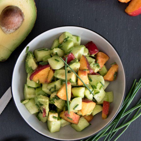 Avocado Gurken Salat mit Pfirsich