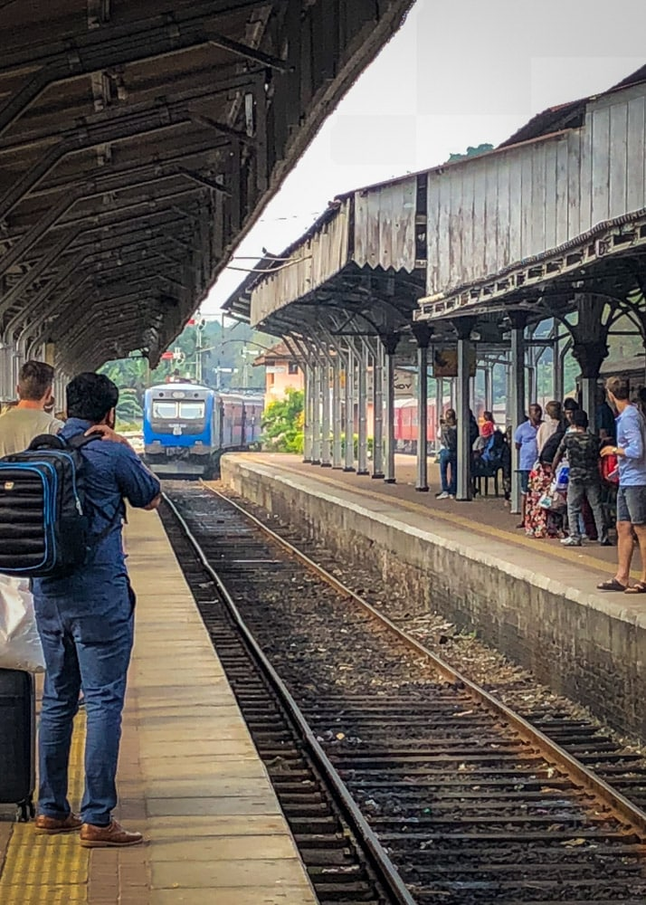 Train Station Kandy, Sri Lanka | Гарата в Канди, Шри Ланка